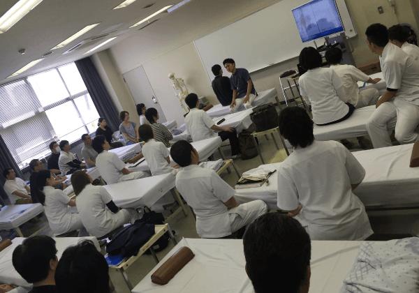 専門学校での講義